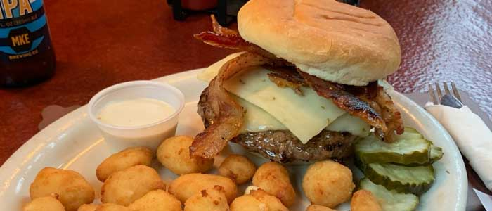 bacon cheeseburger with cheese curds